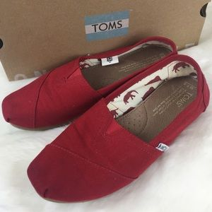 Toms red 7.5 canvas flat shoes